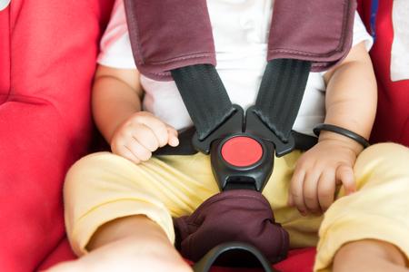 Wanneer Mag Een Baby In Een Kinderstoel.Kind Voorin Auto Wanneer Mag Dat Promovendum